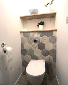 Small Downstairs Toilet, Small Toilet Room, Small Bathroom, Wc Design, Toilette Design, Kitchen Ornaments, Bathroom Colors, Bathroom Designs, Bathroom Ideas