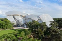 The newest Parisian house of art, the Fondation Louis Vuitton, opens Monday, and is housed in architect Frank Gehry's latest dynamic creation. See photos here.