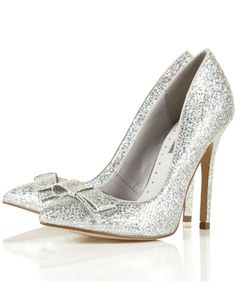 @Monika Siebert, I know there are a few you would like....  :-)  Our EPIC Guide to Gorgeous Party Shoes
