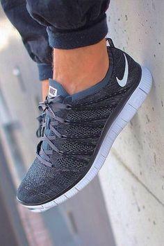 Quien dijo que las zapatillas estàn desfasadas? Son lo mas.