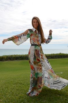 UNFORGETTABLE Maxi Long Dress with an exclusive artistic pattern. Be ready for any RSVP!  Volpi Shirt Dress - Water Color - www.LTBrazil.com