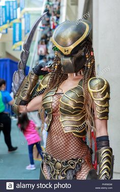 Stock Photo - Female Predator cosplay at San Diego Comic Con 2018 Alien Vs Predator, Predator Cosplay, Predator Alien, San Diego Comic Con, Cosplay Outfits, Cosplay Girls, Cosplay Marvel, Images Star Wars, Sexy Halloween Costumes