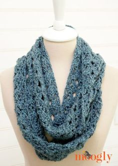 Melting Snow Infinity Scarf - by Tamara Kelly / Moogly! #pattern #crochet #fashion