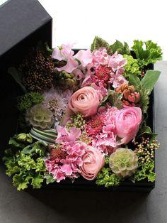 Box Flower Arrangement 10 S size Box Flower Arrangem… – World of Flowers