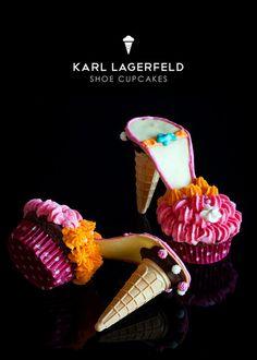 Bake Inspiration: [ 20 gambar ] Cakes and cupcakes are a .- Inspirasi Bake : [ 20 gambar ] Kek dan cupcakes kasut yang amat sesuai dijadikan… Bake Inspiration: photos] Cake and cake cupcakes are perfect for a wedding! High Heel Cupcakes, Shoe Cupcakes, Stiletto Cupcakes, Ice Cream Shoes, Cupcake Cones, Food Crafts, Cakes And More, Mini Cakes, Party Cakes