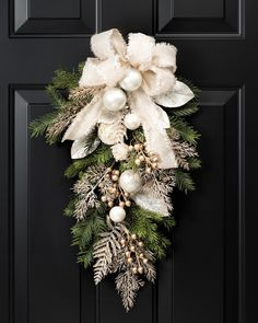 Diy christmas wreaths 546765211012105015 - Pearl & Gold Elegance Holiday Teardrop at Petals Source by terribryand Classy Christmas, Christmas Swags, Noel Christmas, Outdoor Christmas Decorations, Christmas Centerpieces, Holiday Wreaths, Rustic Christmas, Christmas Ornaments, Christmas Door Wreaths
