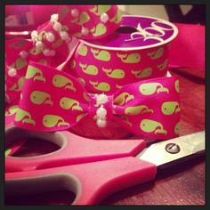 DIY Preppy whale hair bows with pearls,