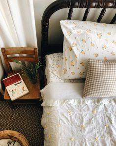 Unique Home Decor, Cheap Home Decor, Home Bedroom, Bedroom Decor, Summer Bedroom, Bedroom Ideas, Home Interior, Interior Design, Interior Colors