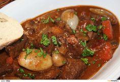 HOVĚZÍ PO BURGUNDSKY Meat, Food, Beef Bourguignon, Essen, Meals, Yemek, Eten