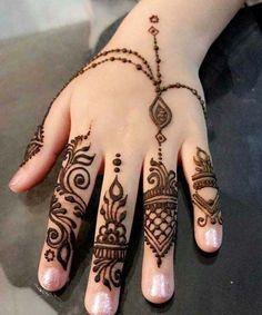 34 Beautiful henna design