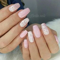 Your graduation nails will be the most outstanding at a party with the help of our tips. All your school girlfriends will envy your sophisticated manicure and ask you how you got inspired. In order to help you to choose the right prom nails, we have Blush Pink Nails, Pink Gel Nails, Cute Pink Nails, Pink Nail Art, Cute Acrylic Nails, Glitter Nail Art, Green Nails, Acrylic Nail Designs, Red Nail