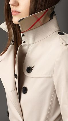 Burberry - Trench coat. A bit of style