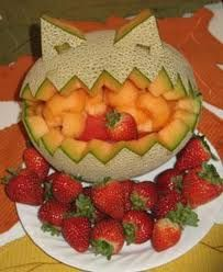 New Fruit Display For Party Diy Ideas Fruit Decoration For Party, Fruit Decorations, Halloween Decorations, Halloween Fruit, Halloween Treats, Halloween Party, New Fruit, Kids Fruit, Fresh Fruit