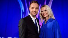 Bild på Robin Paulsson och Sanna Nielsen, programledare för Melodifestivalen 2015
