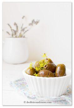 alivi cunzati, olive cunzate Sicilian Recipes, Olive, Tableware, Cooking, Blog, Canning, Kitchen, Dinnerware, Cuisine