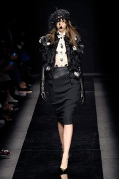 Paris Fashion Week FW 2015-2016 Ungaro #Paris #catwalk #silkgiftmilan #fashion
