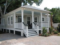 I love everything about this house! The South Bay Cottage by Allison Ramsey Architects built on Duke Street in Downtown Beaufort, South Carolina. This plan is 1022 Heated Square Feet, 2 Bedrooms and 1 Bathrooms. Beach Cottage Style, Beach Cottage Decor, Coastal Cottage, Coastal Homes, Coastal Living, Beach Homes, Beach Cottage Exterior, Coastal Style, Coastal Bedrooms