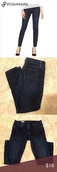 1969 by GAP Polka Dot Ankle skinny Put some pizazz  in your skinnies with these Always Skinny by GAP's 1969 denim line Polka Dots. Navy denim ( NOT black) mid rise, ankle length. PERFECT condition. Fabric has a 'worn' look naturally. Size 27/4 ..15 1/4 waist, front fish 7.5/10 back..26.5 inseam. 98/2 cotton/spandex. NO OFFERS🚫 LOWEST LISTED🚫BUY IT NOW OPTION ONLY 🚫I ONLY TRADE FOR CASH GAP Jeans Skinny
