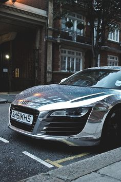 Chrome Audi R8 - shine a light baby <3