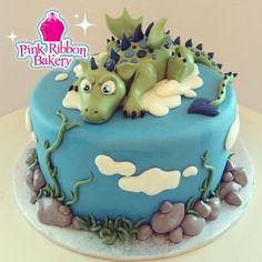 Salmon and mozzarella cake - Clean Eating Snacks Dragon Birthday Cakes, Dragon Birthday Parties, Custom Birthday Cakes, Dragon Cakes, Cupcakes, Cupcake Cakes, Shoe Cakes, Dinosaur Cake, Dinosaur Pics