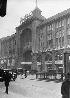 1928.. AEG.. vormals Friedrichstrassenpassage.. Kaufhaus Wertheim.. ex-Tacheles.. Das Gebaeudekomplex erstreckte sich damals von der Friedrichstrasse bis zur Oranienburgerstrasse