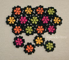 Crochet: granny flowers step by step Filet Crochet, Crochet Motif, Crochet Stitches, Knit Crochet, Crochet Patterns, Crochet Granny, Yarn Flowers, Crochet Flowers, Things To Make With Yarn