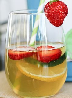 Green Tea detox: lemon helps purify the liver, strawberries help the intestines, and cucumbers help the bowel.