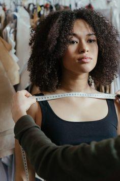 4 Looks com Alfaiataria para você se Inspirar • Tu Cacheias Entrepreneurship Development, Kinds Of Clothes, College Fashion, Style Inspiration, Blog, Awkward, Confident, Paris, Motivation