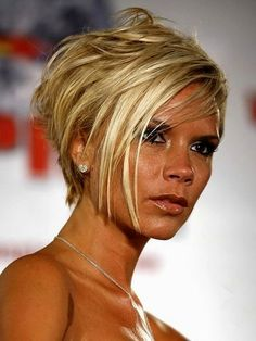 short hair and colors Short Hairstyles For Women, Curled Hairstyles, Haircuts For Men, Men Hairstyles, Fancy Hairstyles, Victoria Beckham Short Hair, Short Hair Cuts, Short Hair Styles, Hairstyles For Receding Hairline