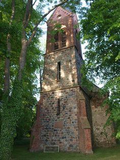 Klein Lübars,  Kirchturm fotografiert von Christopher Sims
