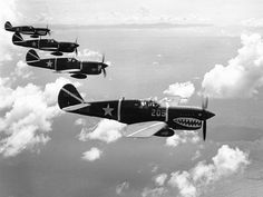 world war two aircraft | World War II planes picture: P-40 fighters flying