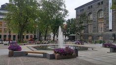 Plaza frente al Museo de Arte Moderno
