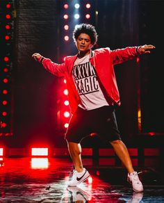 brunomars Hooligans! Go to brunomars.com and check out the coffee table book with exclusive photos we put together from our performance at The World Famous @apollotheater. Here's one of me dancing.... I like to dance......dance/(Dec.11.2017)