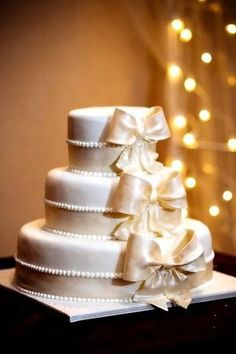 elegant bows cake