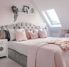Best 27 Room Decor Bedroom Design Ideas For Your Inspiration Cheap Bedroom Decor, Grey Bedroom Decor, Bedroom Makeover, Stylish Bedroom, Pink Bedroom Decor, Room Decor Bedroom, Bedroom Decor Grey Pink, Girl Bedroom Decor, Aesthetic Bedroom