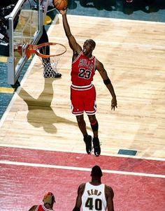 e4879a927fc Michael Jordan - Chicago Bulls Jeffrey Jordan