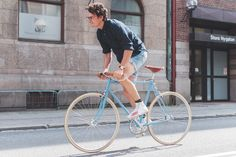 Such a beautiful bicycle! Shot by Benjamin Bergh from his blog, which is beautiful (follow link).