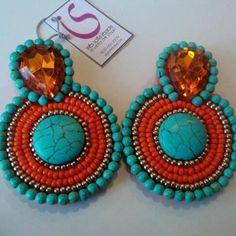 Pendientes Embroidery Jewelry, Beaded Embroidery, Big Earrings, Beaded Earrings, Soutache Jewelry, Beaded Jewelry, Handmade Bracelets, Handmade Jewelry, African Earrings