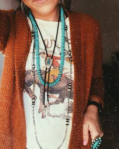 Love that my boyfriends grandpa had a huge collection of authentic Navajo bolos. Perfect for layering like how i did in the photo.