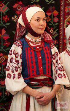 Ukrainian traditional women costume - North Kyivan region, Ukraine. Жіноче вбрання Північної Київщини.