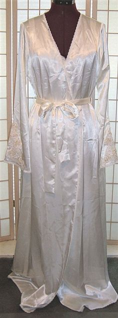 New WT Victoria's Secret Sz M/L Pale Ivory Bridal Satin Robe W/ Pearls & Lace #VictoriasSecret #Robes #Bridal