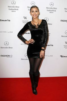 Fiona Erdmann in pantyhose - http://stockings-celebs.blogspot.com/2014/12/faith-picozzi-famke-janssen-farah-holt.html