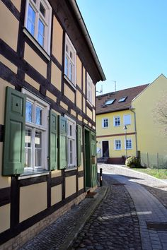 Spring day in Nauen Spring Day, Things To Do, Germany, Mansions, House Styles, Top, Home Decor, Things To Make, Decoration Home