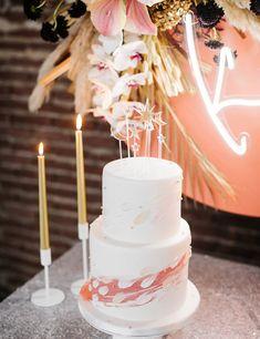 J+S TROUWEN TIJDENS DE FEESTDAGEN | Studio Spruijt Trendy Wedding, Unique Weddings, Candles, Table Decorations, Cake, Industrial, Studio, Kuchen, Candy