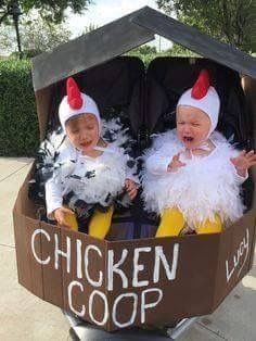 21 halloween costume ideas for kids girls!Sometimes store-bought Halloween costumes just don\'t cut it. These DIY Halloween costumes for kids are easy to make and more unique. Baby Skunk Costume, Funny Baby Costumes, Cute Baby Halloween Costumes, Twin Costumes, Twin Halloween, Halloween 2015, Homemade Halloween, Infant Halloween, Costumes Kids