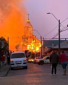 """Re-viviendo Patrimonios on Instagram: """"Ayer, 22 de enero de 2020, un incendio destruyó por completo la Iglesia de San Francisco de Ancud, templo que estaba en proceso de…"""" Chile, San Francisco, Instagram, Saints, January 22, Temple, Live, Chili, Chilis"""