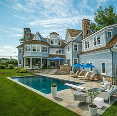#house #bighouse #housestyle #home #homestyle #bighome #castle #mansion #bigmansion #bigcastle #dreamhouse #housses #pavilion  #mansionstyle #countryhouse