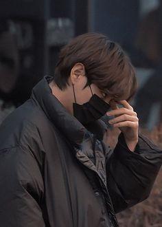 V Taehyung, Bts Jungkook, Most Handsome Men, Bts Korea, Worldwide Handsome, Album Bts, Bts Aesthetic Pictures, Daegu, Bts Photo