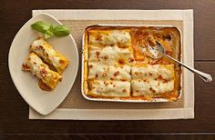 Chicken Cannelloni is one of those wonderful dishes you can make ahead, clean up your kitchen, and have ready to just stick in the oven an hour before dinnertime Pasta Recipes, Chicken Recipes, Cooking Recipes, Vegan Recipes, A Food, Food And Drink, Cannelloni Recipes, Parmesan Cream Sauce, Easy Tomato Sauce
