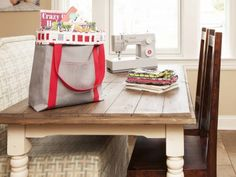 Use your SINGER sewing machine to sew this simple, durable canvas tote for everything from school supplies to the day's groceries. Best Tote Bags, Diy Tote Bag, Reusable Tote Bags, How To Make Purses, Machine Embroidery Projects, Sewing Projects For Beginners, Diy Projects, Canvas Tote Bags, Making Ideas